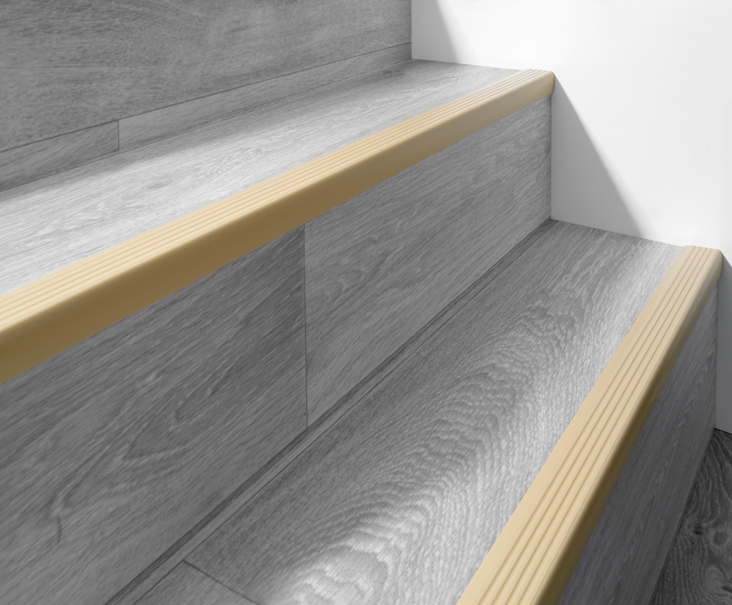 Profil schodowy antypoślizgowy samoprzylepny